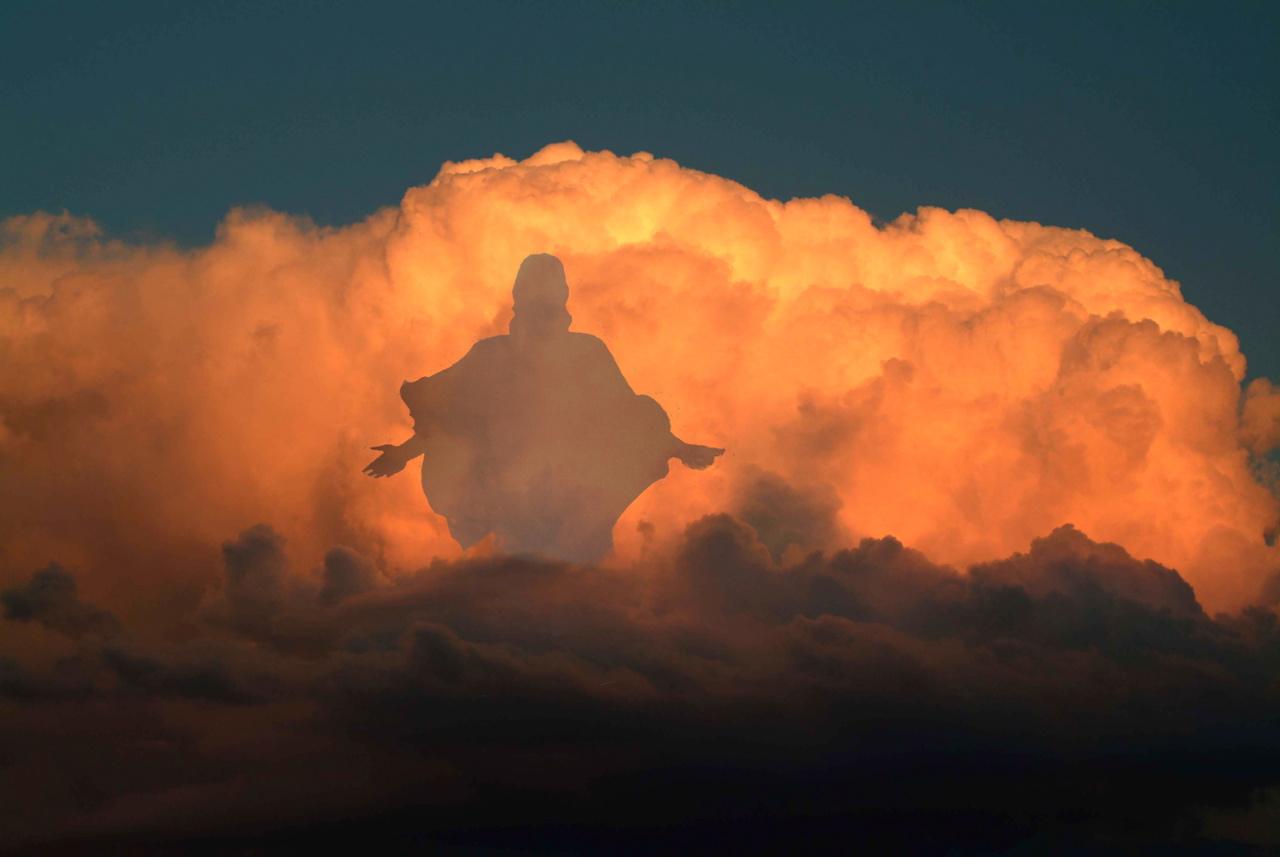 Съществува ли Бог наистина?